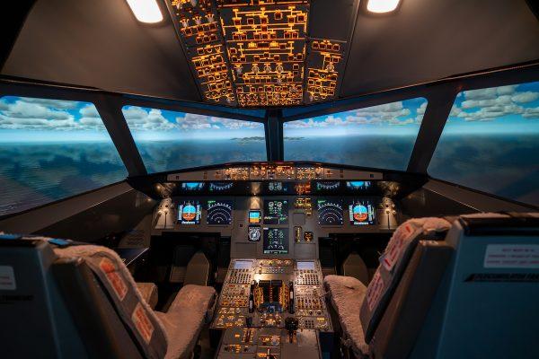 Virtuelle Klassenfahrt mit Flugsimulator Frankfurt